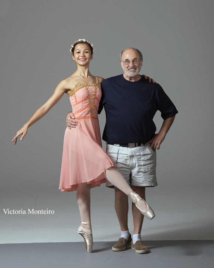 Commemorative Photo of Victoria & Gene at the end of her private photo shoot.